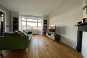 For rent: Apartment E. Thomassen a Thuessinklaan, Groningen - 1