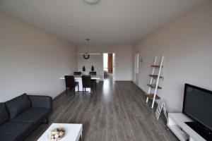 Bekijk appartement te huur in Rotterdam Zuidhoek, € 1130, 80m2 - 383936. Geïnteresseerd? Bekijk dan deze appartement en laat een bericht achter!