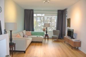 Bekijk appartement te huur in Den Haag Stadhoudersplantsoen, € 1395, 93m2 - 372004. Geïnteresseerd? Bekijk dan deze appartement en laat een bericht achter!