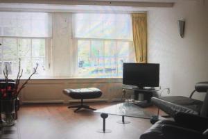 Bekijk studio te huur in Amsterdam Tuinstraat, € 1350, 25m2 - 361539. Geïnteresseerd? Bekijk dan deze studio en laat een bericht achter!