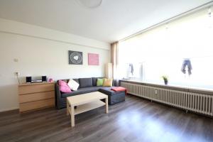 Bekijk appartement te huur in Leiden J. Urlusplantsoen, € 1195, 68m2 - 346628. Geïnteresseerd? Bekijk dan deze appartement en laat een bericht achter!