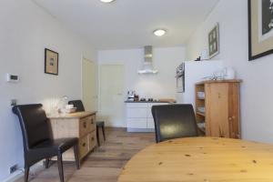 Bekijk appartement te huur in Amsterdam Nieuwe Keizersgracht, € 1700, 79m2 - 385673. Geïnteresseerd? Bekijk dan deze appartement en laat een bericht achter!