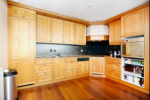 Bekijk appartement te huur in Rotterdam Piet Smitkade, € 1100, 72m2 - 290570. Geïnteresseerd? Bekijk dan deze appartement en laat een bericht achter!