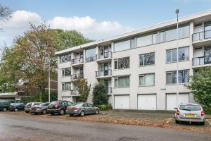 Bekijk appartement te huur in Eindhoven Pisanostraat: Ruim 3-kamer hoekappartement  - € 1125, 90m2 - 353115