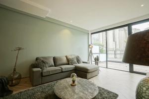 Bekijk appartement te huur in Den Haag G. Gracht, € 1495, 101m2 - 359861. Geïnteresseerd? Bekijk dan deze appartement en laat een bericht achter!