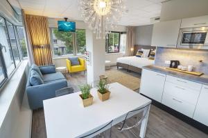 Bekijk studio te huur in Badhoevedorp Meidoornweg, € 1499, 40m2 - 351455. Geïnteresseerd? Bekijk dan deze studio en laat een bericht achter!