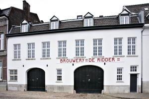 Bekijk appartement te huur in Maastricht Oeverwal, € 1350, 60m2 - 353889. Geïnteresseerd? Bekijk dan deze appartement en laat een bericht achter!