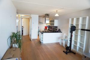 Bekijk appartement te huur in Den Haag Zeeruststraat, € 1250, 62m2 - 377995. Geïnteresseerd? Bekijk dan deze appartement en laat een bericht achter!
