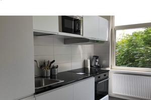 Bekijk kamer te huur in Rotterdam Waterloostraat, € 750, 16m2 - 372409. Geïnteresseerd? Bekijk dan deze kamer en laat een bericht achter!
