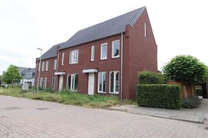 Te huur: Woning Herman de Ruijterstraat, Poederoijen - 1