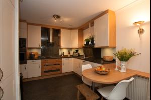 Bekijk appartement te huur in Rotterdam Prometheusstraat: Hoekappartement  - € 1500, 112m2 - 293623
