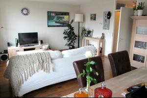 Bekijk appartement te huur in Hilversum Langgewenst, € 995, 75m2 - 289328. Geïnteresseerd? Bekijk dan deze appartement en laat een bericht achter!