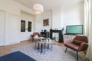 Bekijk woning te huur in Den Haag Hooikade, € 2650, 140m2 - 376207. Geïnteresseerd? Bekijk dan deze woning en laat een bericht achter!