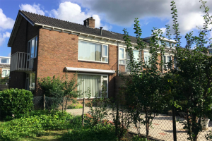 View house for rent in Utrecht Briljantlaan, € 1250, 85m2 - 400556. Interested? check out this house and leave a message!