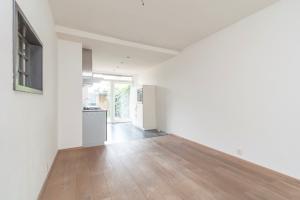 Bekijk appartement te huur in Den Haag Benschoplaan, € 1100, 80m2 - 379976. Geïnteresseerd? Bekijk dan deze appartement en laat een bericht achter!