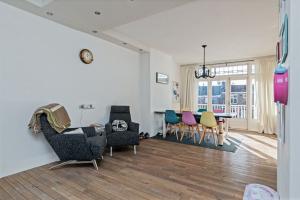 Bekijk appartement te huur in Rotterdam Pleinweg, € 1250, 140m2 - 368549. Geïnteresseerd? Bekijk dan deze appartement en laat een bericht achter!