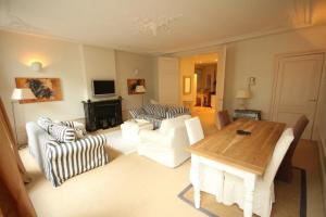 Bekijk appartement te huur in Den Haag Noordeinde, € 1450, 97m2 - 347051. Geïnteresseerd? Bekijk dan deze appartement en laat een bericht achter!