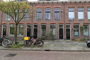 View house for rent in Groningen Riouwstraat, € 1400, 167m2 - 354742. Interested? check out this house and leave a message!