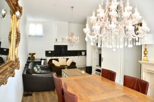 Bekijk appartement te huur in Den Haag Zuidwal, € 1795, 92m2 - 372383. Geïnteresseerd? Bekijk dan deze appartement en laat een bericht achter!