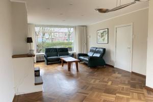 Bekijk woning te huur in Utrecht Joseph Haydnlaan, € 1950, 150m2 - 382313. Geïnteresseerd? Bekijk dan deze woning en laat een bericht achter!