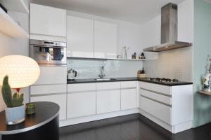Bekijk appartement te huur in Den Haag Sirtemastraat, € 950, 55m2 - 400318. Geïnteresseerd? Bekijk dan deze appartement en laat een bericht achter!