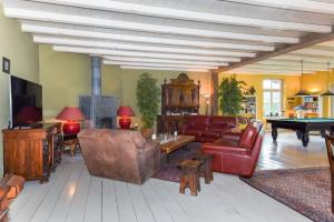 Bekijk woning te huur in Prinsenbeek Meester Bierensweg, € 2200, 150m2 - 366722. Geïnteresseerd? Bekijk dan deze woning en laat een bericht achter!