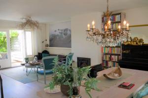 Bekijk appartement te huur in Alkmaar Heiligland, € 1100, 110m2 - 374733. Geïnteresseerd? Bekijk dan deze appartement en laat een bericht achter!