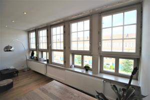 Bekijk appartement te huur in Amsterdam Hoofdweg, € 1650, 60m2 - 362377. Geïnteresseerd? Bekijk dan deze appartement en laat een bericht achter!