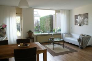 Bekijk woning te huur in Elburg Schokkerstraat, € 975, 140m2 - 382801. Geïnteresseerd? Bekijk dan deze woning en laat een bericht achter!