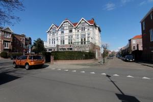 Bekijk woning te huur in Den Haag Prins Mauritslaan, € 4750, 320m2 - 295035. Geïnteresseerd? Bekijk dan deze woning en laat een bericht achter!
