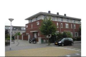 Bekijk woning te huur in Amstelveen Renate Rubinsteinlaan, € 3450, 175m2 - 322491. Geïnteresseerd? Bekijk dan deze woning en laat een bericht achter!
