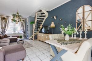 Bekijk woning te huur in Leiden Mecklenburgerstraat, € 1495, 79m2 - 379165. Geïnteresseerd? Bekijk dan deze woning en laat een bericht achter!
