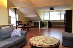 Bekijk appartement te huur in Uitgeest Westergeest, € 1250, 250m2 - 399868. Geïnteresseerd? Bekijk dan deze appartement en laat een bericht achter!