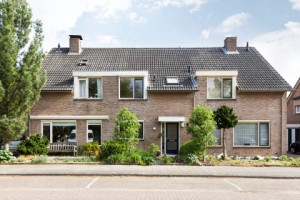 View house for rent in Hengelo Ov Cruys Voorberghstraat, € 1075, 118m2 - 370459. Interested? check out this house and leave a message!
