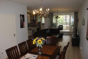 Bekijk appartement te huur in Rotterdam Schieweg, € 2000, 150m2 - 372297. Geïnteresseerd? Bekijk dan deze appartement en laat een bericht achter!