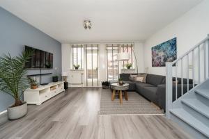 Bekijk appartement te huur in Rotterdam Gravin Adelastraat, € 1400, 79m2 - 389146. Geïnteresseerd? Bekijk dan deze appartement en laat een bericht achter!