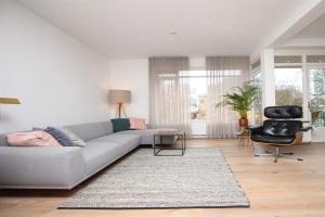 Bekijk appartement te huur in Amsterdam Catharina van Rennesstraat, € 1000, 110m2 - 384218. Geïnteresseerd? Bekijk dan deze appartement en laat een bericht achter!
