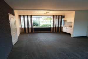 View house for rent in Enschede Lijsterstraat, € 750, 80m2 - 378581. Interested? check out this house and leave a message!