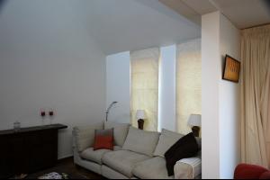 Bekijk woning te huur in Rijswijk Zh Burgemeester Cochiuslaan, € 1750, 110m2 - 284777. Geïnteresseerd? Bekijk dan deze woning en laat een bericht achter!