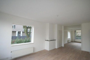 Bekijk appartement te huur in Voorburg Spinozalaan: Ruim appartement beschikbaar  - € 745, 83m2 - 351530