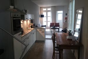 Bekijk appartement te huur in Amsterdam Utrechtsedwarsstraat, € 1975, 90m2 - 372046. Geïnteresseerd? Bekijk dan deze appartement en laat een bericht achter!