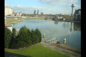 Bekijk studio te huur in Rotterdam Coolhaven, € 475, 65m2 - 305999. Geïnteresseerd? Bekijk dan deze studio en laat een bericht achter!