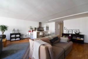 Bekijk appartement te huur in Den Haag Gevers Deynootplein, € 1250, 65m2 - 376721. Geïnteresseerd? Bekijk dan deze appartement en laat een bericht achter!