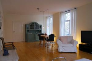 Bekijk appartement te huur in Amsterdam Van Oldenbarneveldtstraat, € 1750, 70m2 - 389475. Geïnteresseerd? Bekijk dan deze appartement en laat een bericht achter!