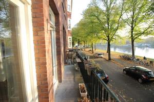 Bekijk appartement te huur in Amsterdam Geuzenkade: Heerlijk licht 3 kamer appartement  - € 1550, 56m2 - 353135