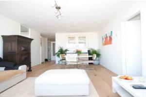 Bekijk appartement te huur in Den Haag Zeeruststraat, € 1075, 75m2 - 370942. Geïnteresseerd? Bekijk dan deze appartement en laat een bericht achter!