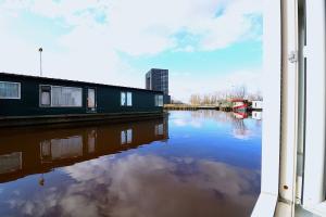 Bekijk studio te huur in Groningen Woonschepenhaven, € 775, 50m2 - 387263. Geïnteresseerd? Bekijk dan deze studio en laat een bericht achter!