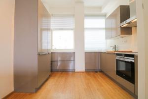 Bekijk appartement te huur in Den Haag Kleine Nobelstraat, € 1995, 106m2 - 370920. Geïnteresseerd? Bekijk dan deze appartement en laat een bericht achter!