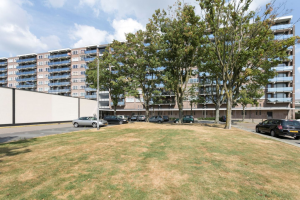 Bekijk appartement te huur in Eindhoven Nederlandplein: Volledig gerenovereerd 3-kamer appartement in de wijk Woensels... - € 1250, 100m2 - 358608