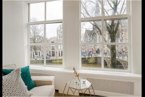 Bekijk appartement te huur in Amsterdam Oudezijds Voorburgwal: Appartement - € 1900, 49m2 - 323936